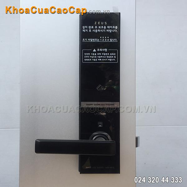Khóa cửa mật mã thẻ từ UN-6700